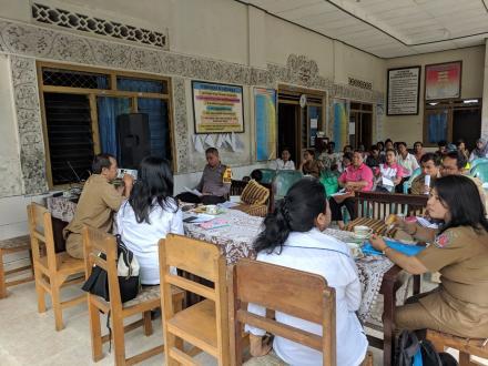 Sosialisasi Materi dan Media KIE Pro PN di Desa Galungan