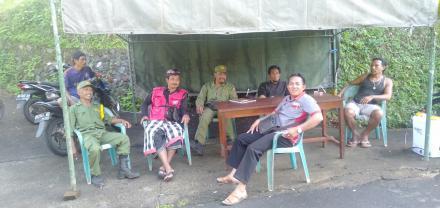 Penjagaan Dipintu Masuk Desa Dalam Upaya Pencegahan Penyebaran Virus Corona (Covid-19) Di Desa Galun